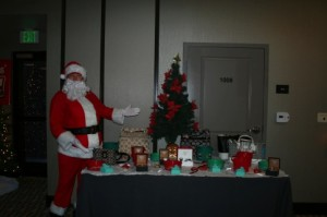 Surrogate_holidayparty_291